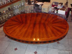 Ovális tárgyaló/ebédlő asztal