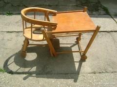 Retro gyermek etetőszék, mely asztal-székké hajtható