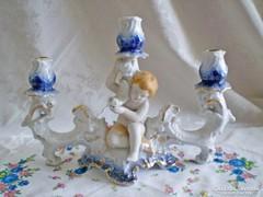 Barokk stílusú puttós ARPO porcelán hármas gyertyatartó