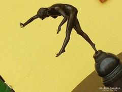 Extra szép ardeco szobor bronzból