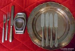 Evőeszközök, tálca,  konyhai segédeszközök, 27 db