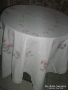 Csodaszép shabby chic vintage hófehér virágos szőttes terítő