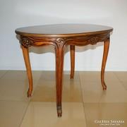 Chippendale asztal