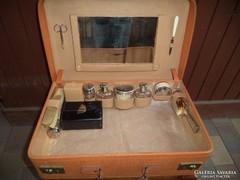 Nagy bőr pipere koffer bőrönd táska teljes felszereléssel