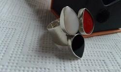 Modern ezüst gyűrű:korall,oníx,gyöngyház