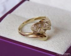 14 k arany gyűrű brill csiszolású cirkóniával