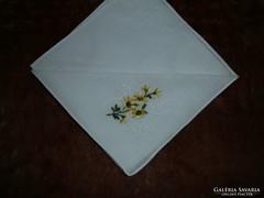 1327. Díszzsebkendő - hímzett vékony