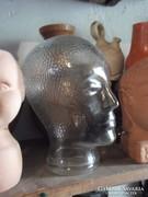 Üveg fej szobor