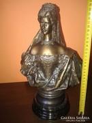 Sissi Erzsébet királyné bronz szobor