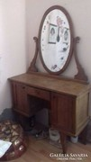 Eladó antik fésülködő asztal