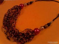 Dekoratív nyaklánc
