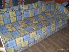 Kétszemélyes ágy,kanapé