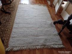 Gyapjú szőnyeg