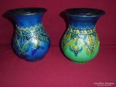 2db gyönyörűen kidolgozott szignózott kerámia váza