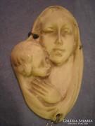 Mária a kisdeddel antik csont faragás