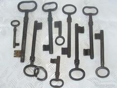 10 darab régi kulcs