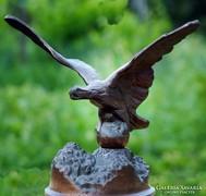 Turulmadár szobor