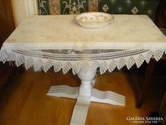 Neoreneszánsz provence fehér asztalka