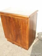 Komód kis szekrény