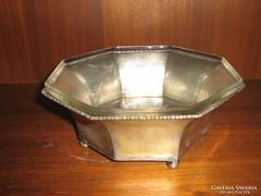 Ezüst keretben csiszolt üveg kínáló.
