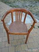 Eladó ritkaság hajlitott lábú karfás szék.