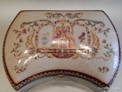 Nagyméretű porcelán bonbonier