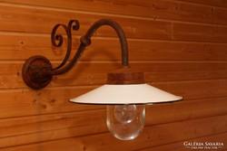 Vas kültéri lámpa