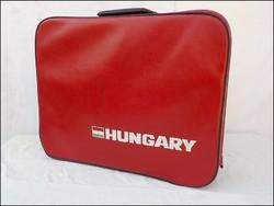 Hungary retro piros műbőr bőrönd, szép állapot