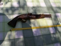 Kovás pisztoly1
