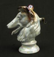 Kutyafej alaku óratartó porcelán szobor