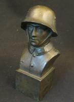 Német katona bronz szobor
