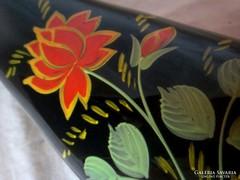 Jelzett festett rózsás fekete üveg váza 26,5 cm