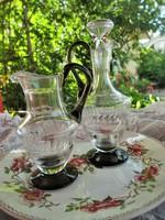 Gyönyörű csiszolt üveg  kiöntők