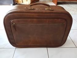 Gyönyörű barna bőrönd!