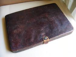 Régi bőr írószertartó doboz