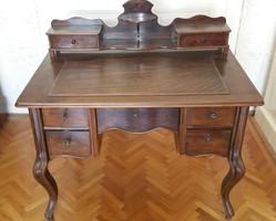 Neobarokk felépítményes íróasztal