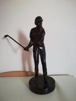 Bronz golfozó szobor 2