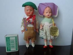 Két kis antik baba az egyik fölhúzós