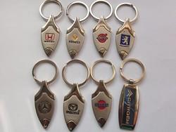 Autó kulcstartó + doboza különböző márkák