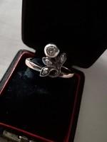 Arany bimbós leveles szecessziós gyémánt gyűrű au585