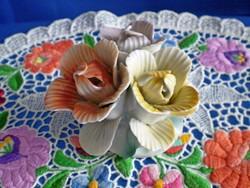 Különleges jelzett porcelán virág csokor 1.