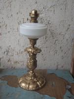Önttötvas petróleumos lámpa