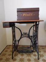 PFAFF varrógép az 1800-as évek végéről