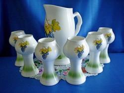 Gyönyörű és ritka porcelán boros készlet ajándéknak is nagyon szép!